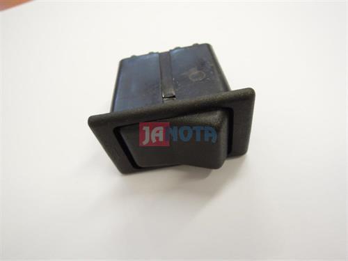 Vypínač kolébkový IFA, Multikára, Kombajn E512